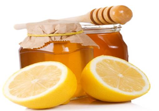 Do it yourself face masks joanna darrell lemon brightens and exfoliates so adding lemon to your honey mask is a great twist to try lemon is a natural source of vitamin c and is super rich in solutioingenieria Choice Image